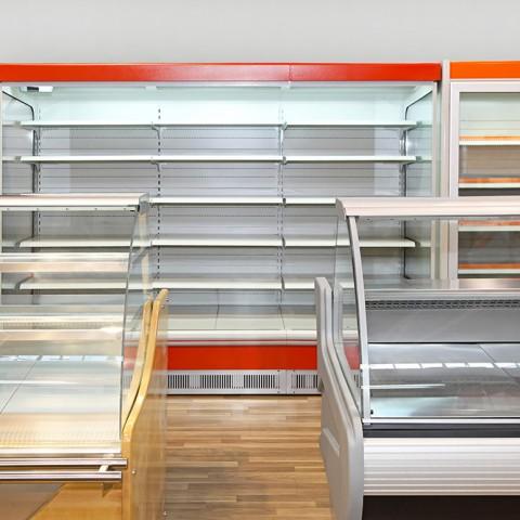Kühlregale und Kühltheken für den Supermarkt oder das Ladengeschäft