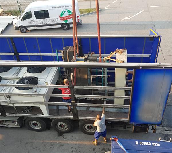 Verladung Von Gebrauchter Kältetechnik In München